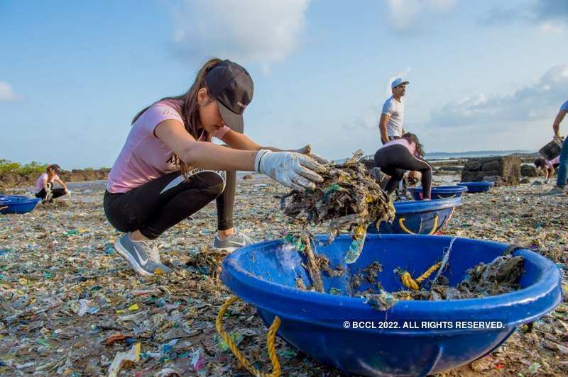 World Nature Conservation Day: When Femina Miss India 2019 finalists took the beach clean-up drive initiative