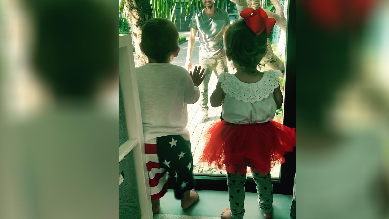 Enrique Iglesias shares adorable video with his twin babies