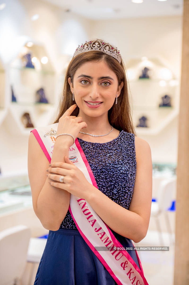 Miss India 2019 state winners visit Senco Gold & Diamonds store
