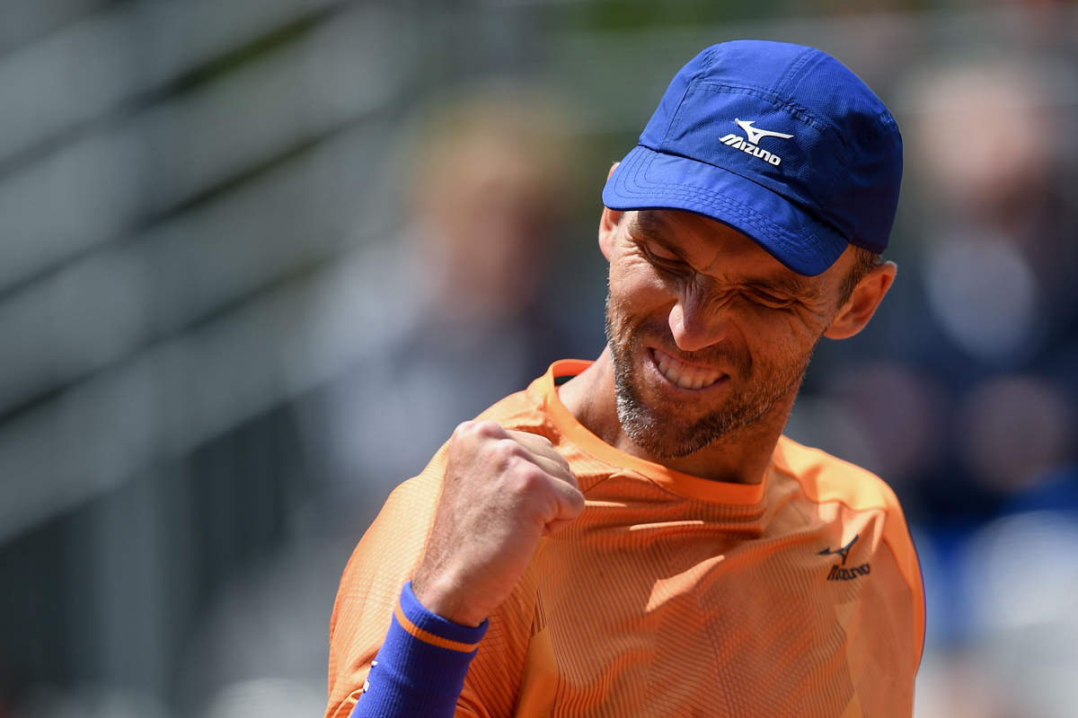 At 40, Ivo Karlovic becomes oldest man to win match at French Open