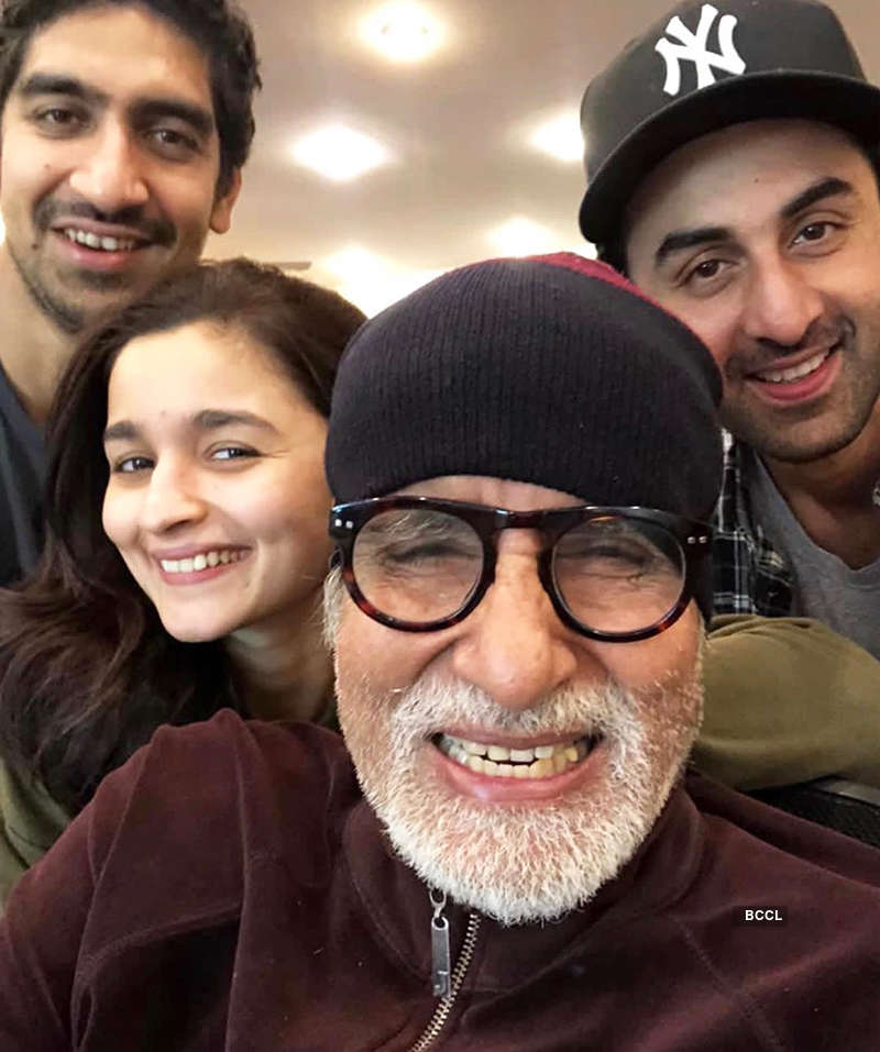 Ranbir's cute birthday picture with GF Alia and mom Neetu goes viral on the internet