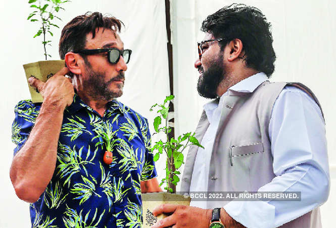 Tropical print shirt and a tree-planter locket, Jackie Shroff was dressed perfectly for the occasion!