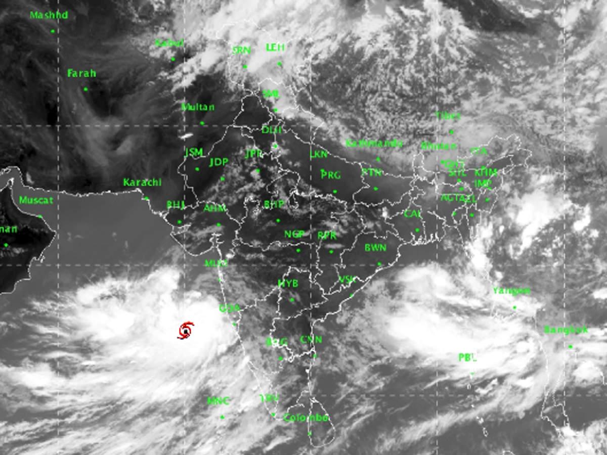 Cyclone Vayu to make landfall near Veraval
