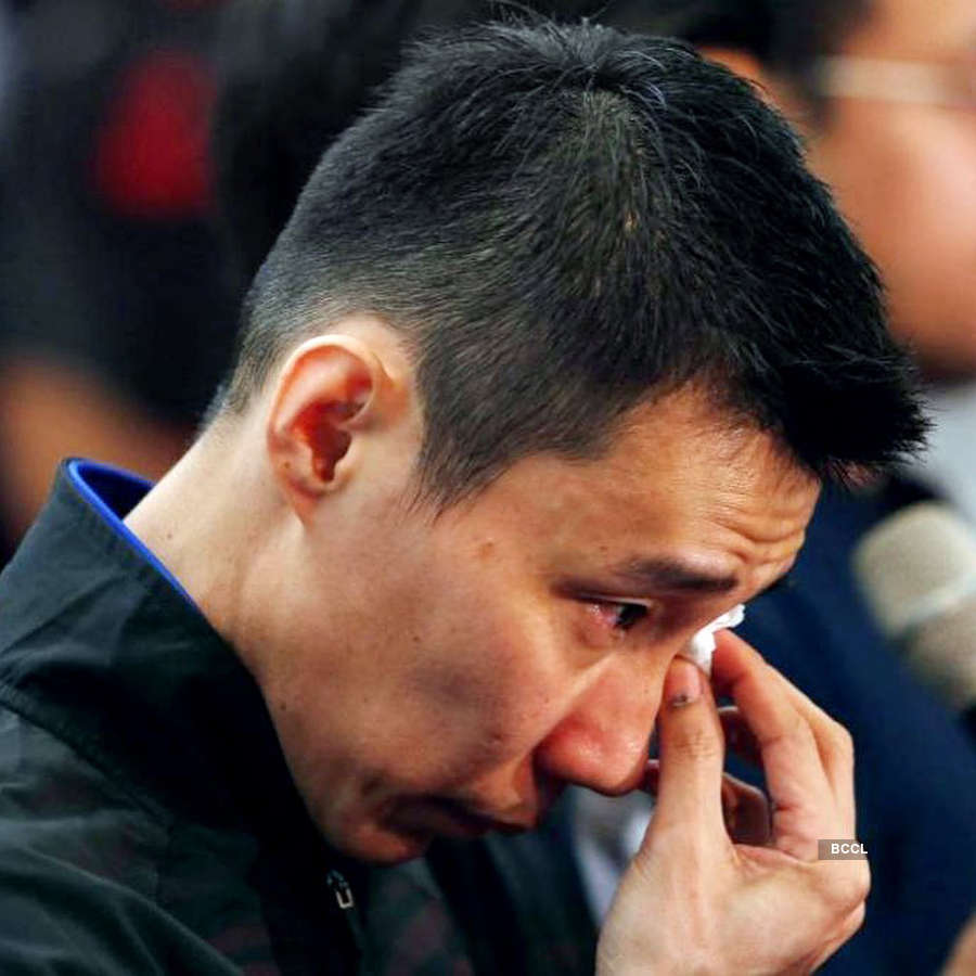 Teary-eyed Malaysian legend Lee Chong Wei announces retirement from badminton