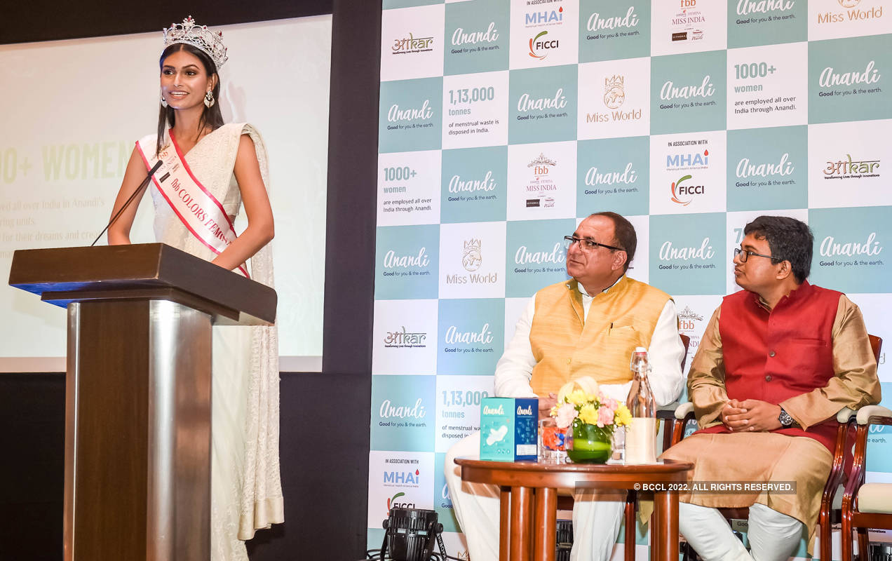 Vanessa Ponce de Leon and Suman Rao spread awareness on menstrual hygiene