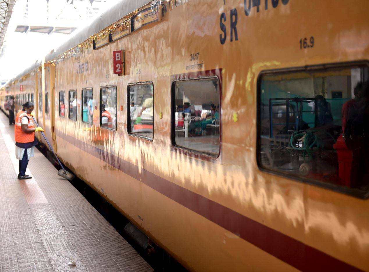 Indian Railways: Railways mulls inviting private firms to