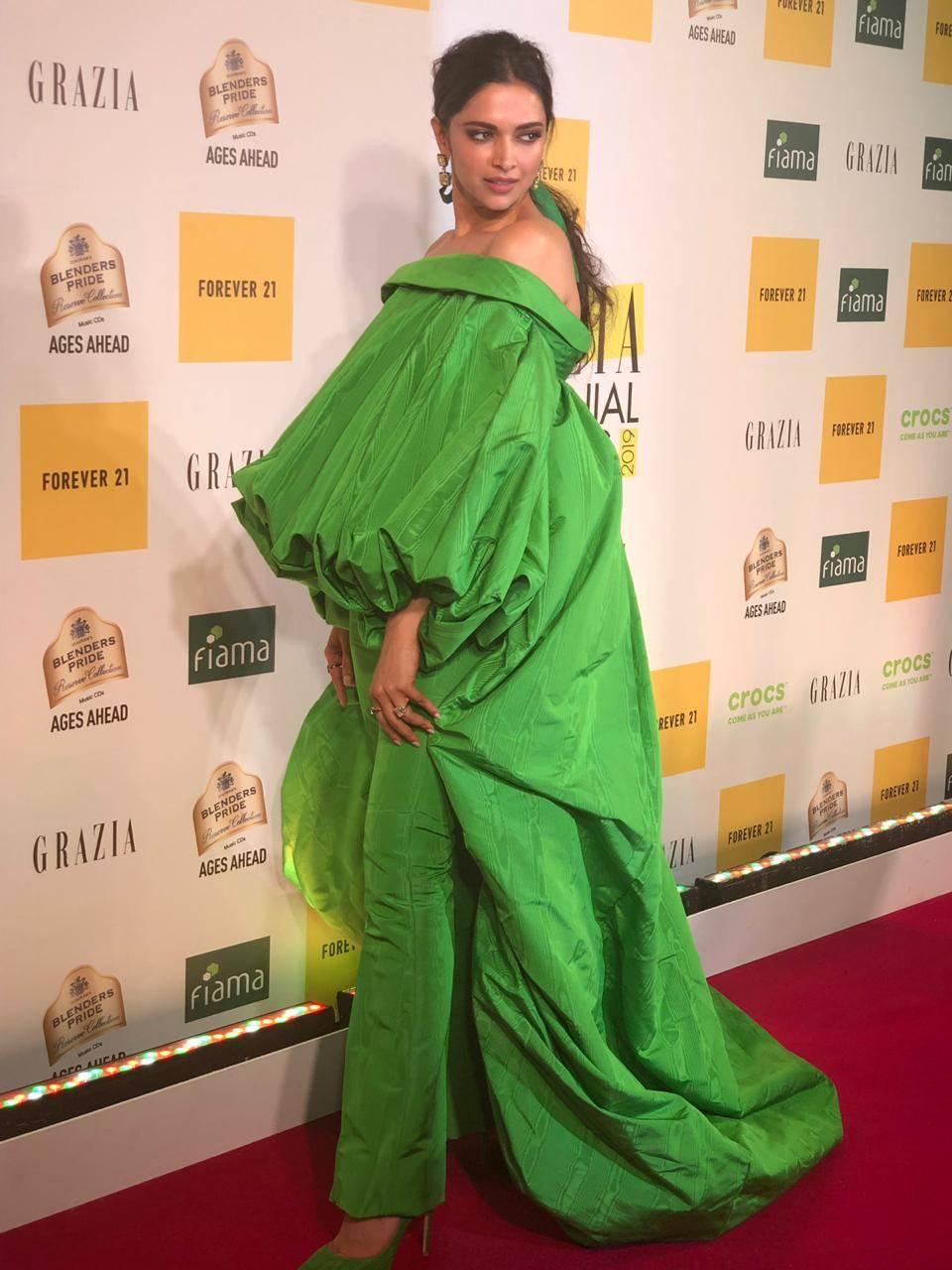 Deepika at GMA 2019 (3).