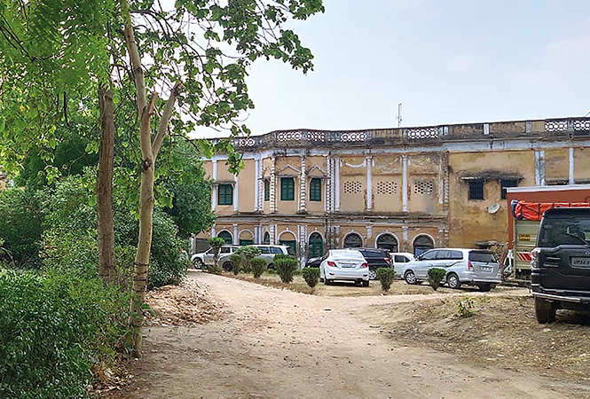 A view of the Mahmoodabad Palace in Qaiserbagh where the shooting of the film is currently going on in the city (BCCL)