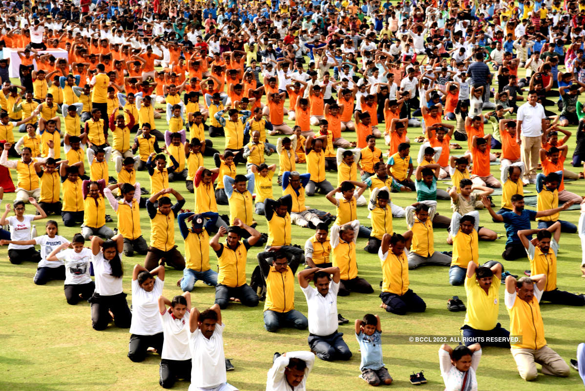 Jaipurites perform asanas to mark International Yoga Day
