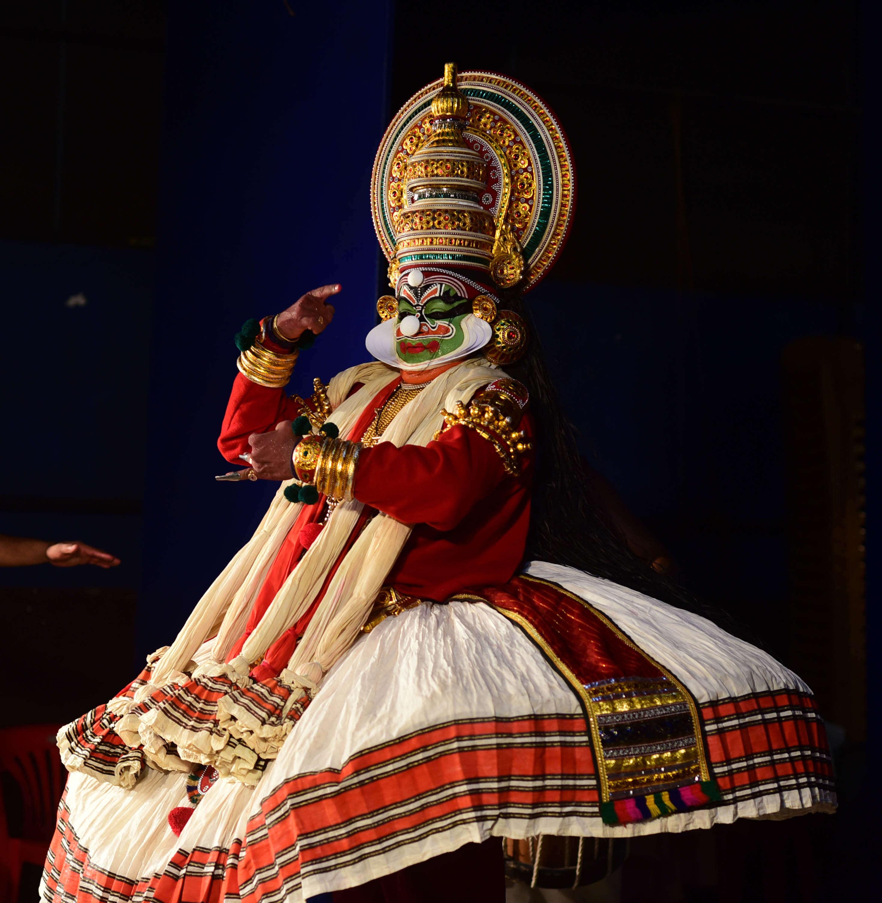 Bhadrakali Mahatmyam Kathakali performed at Changmpuzha Park   (7)