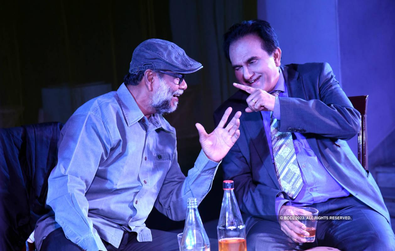 Abhiyukt: A play
