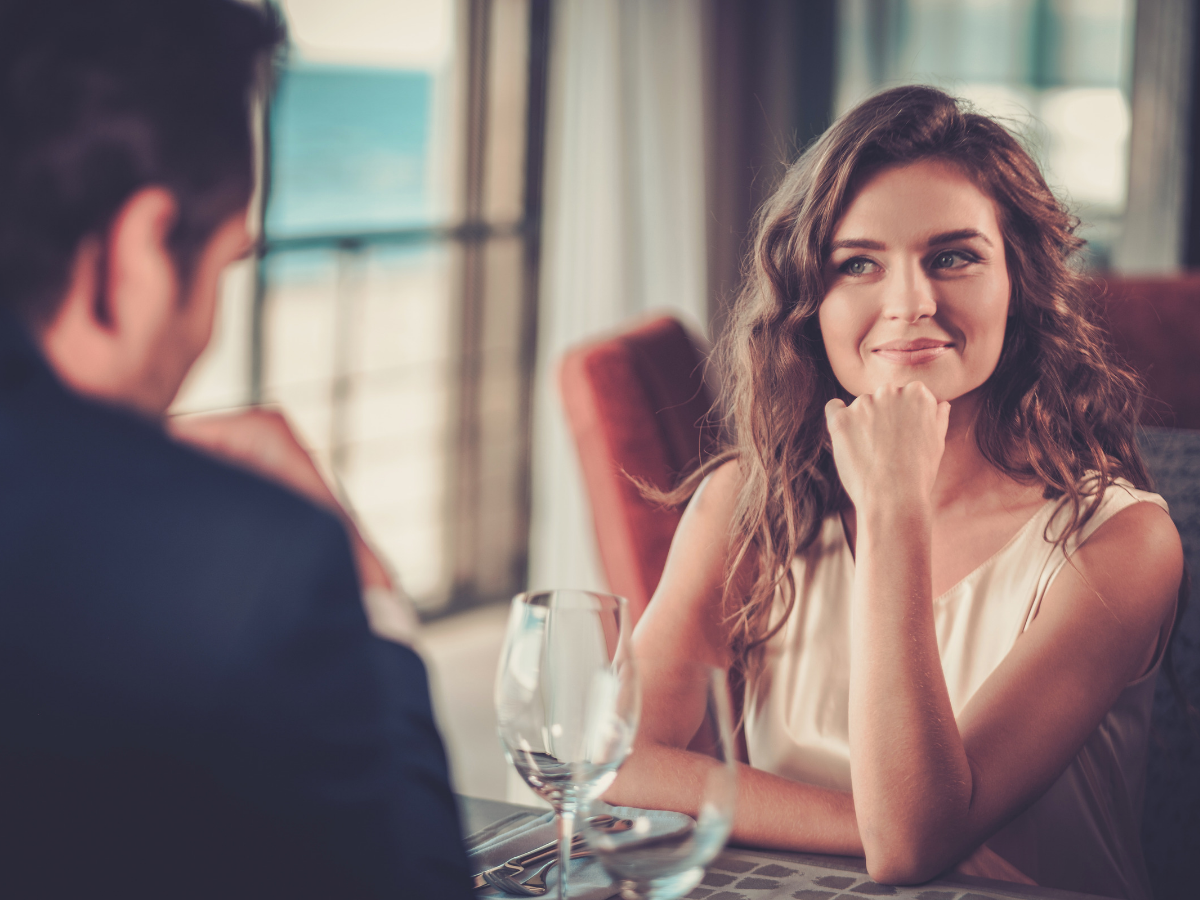 What women want on a first date? A study finds the answer | The Times of  India