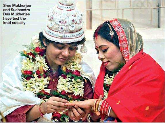Sree Mukherjee and Suchandra Das Mukherjee have tied the knot socially