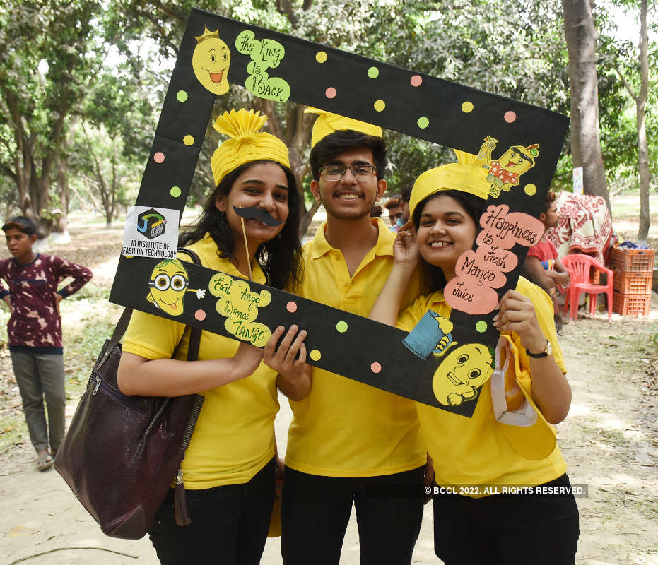 Lucknowites have a gala time at '7th UP Mango festival'