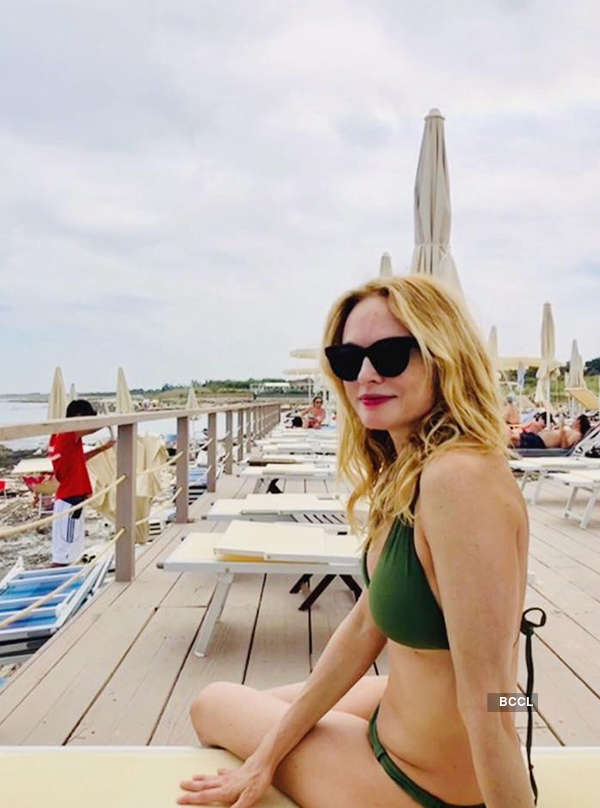 Bikini pictures of Heather Graham prove she hasn't aged a day
