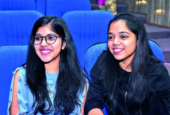 Vanshita Singh (L) and Vanshika Rastogi (BCCL/ Vishnu Jaiswal)