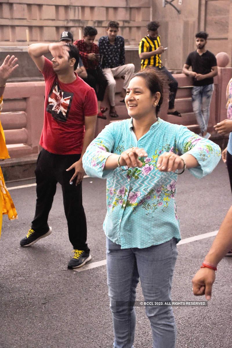 Rainy Happy Streets for Lucknow