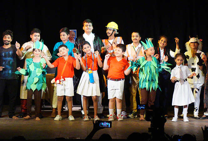 Play Van Hai Toh Hum Hai was also staged at Rai Umanath Bali auditorium but with different cast