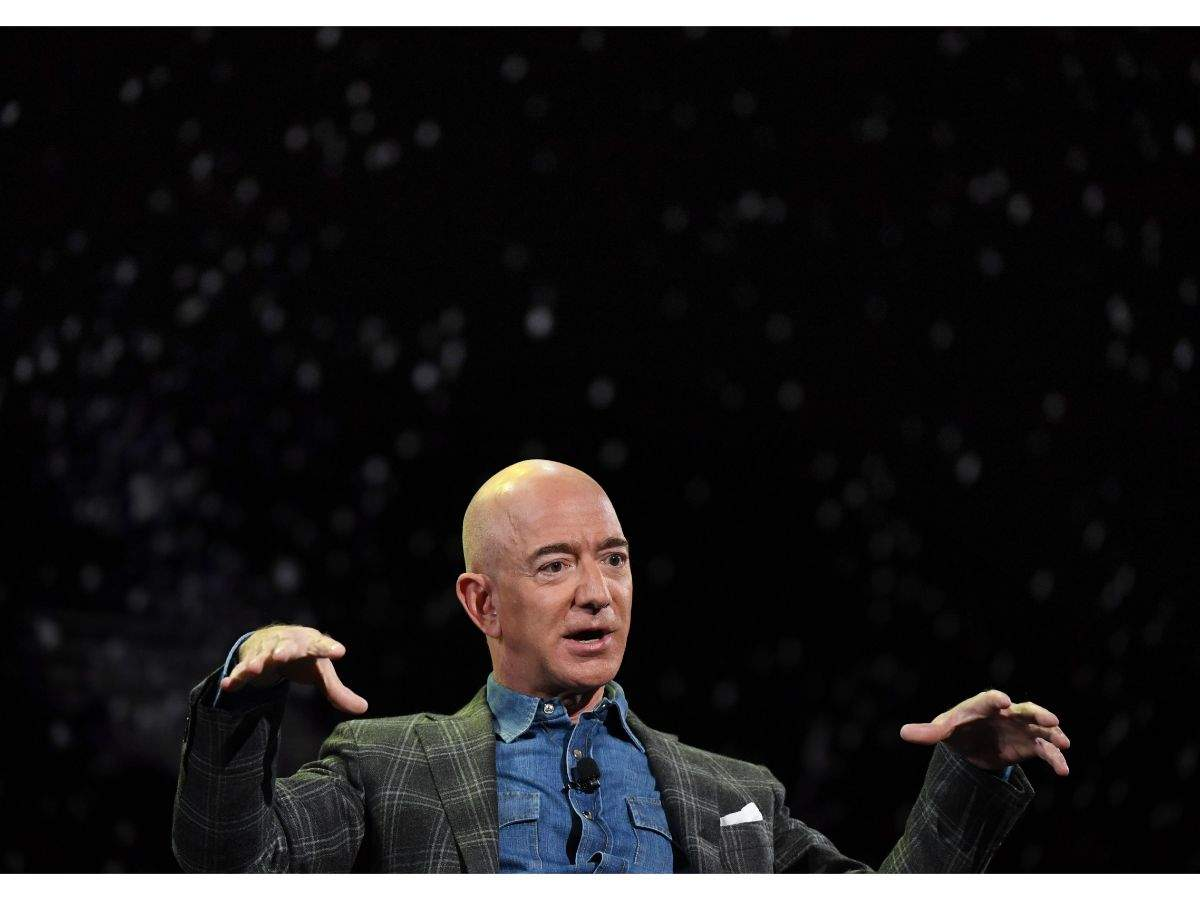 Amazon founder Bezos' divorce final with US$38b settlement