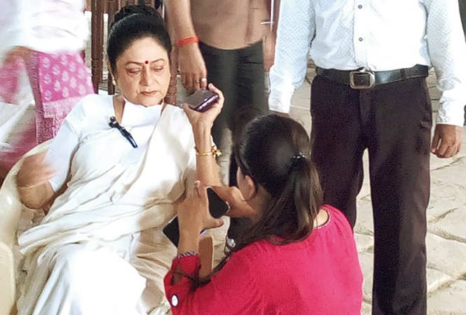 Aruna Irani preps for her role while shooting for the film Kahani Rubber Band Ki in Varanasi recently (BCCL/ Arvind Kumar)​