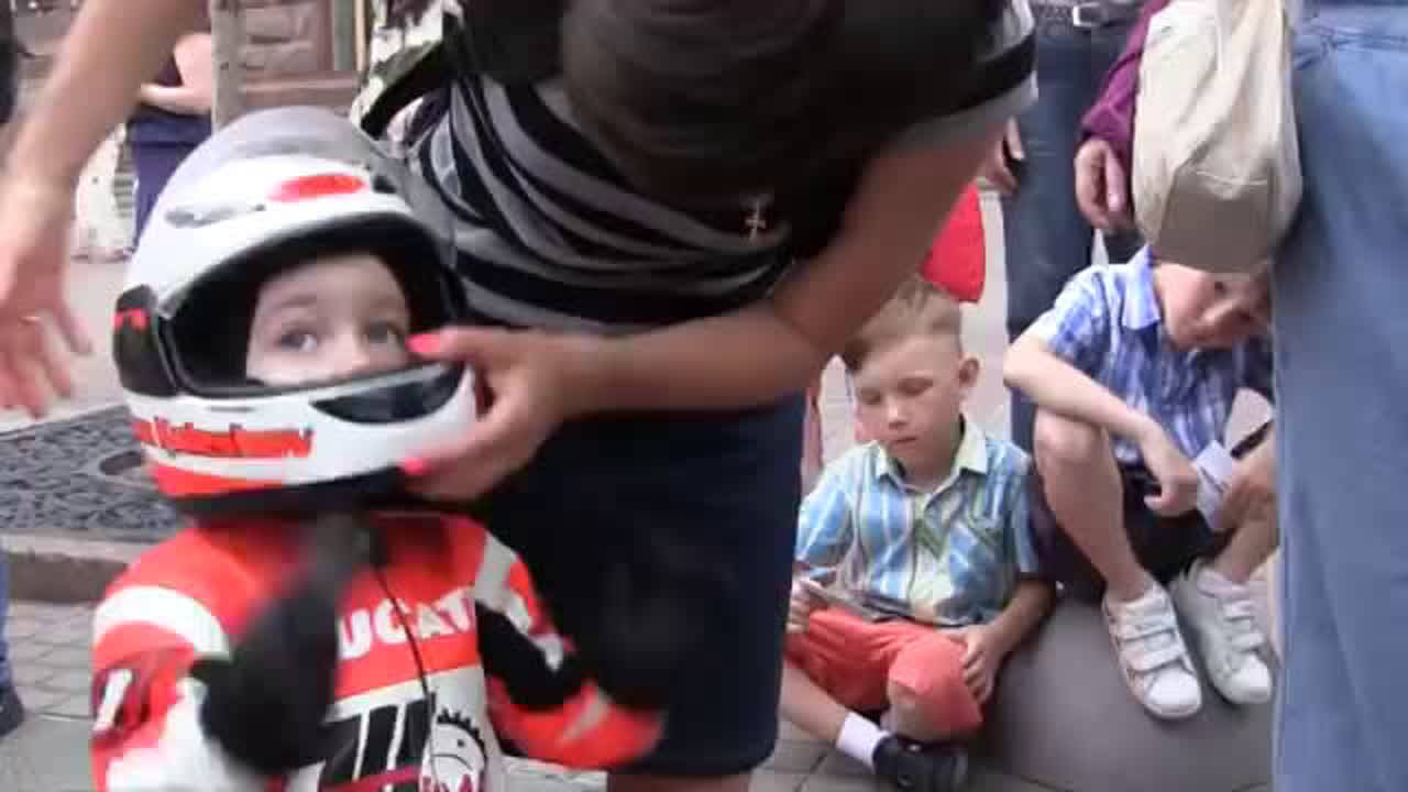 You will be shocked to know the age of this superbiker
