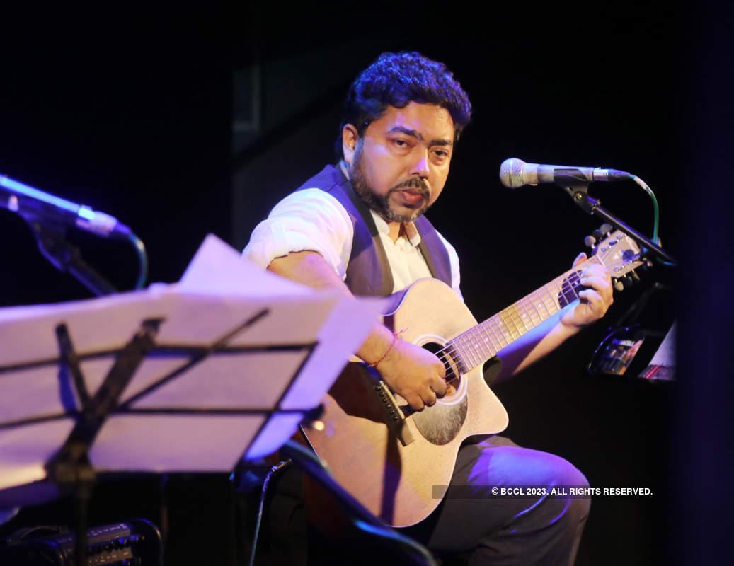 Anjan and Neel Dutt perform at 'Ami Aar Godot'