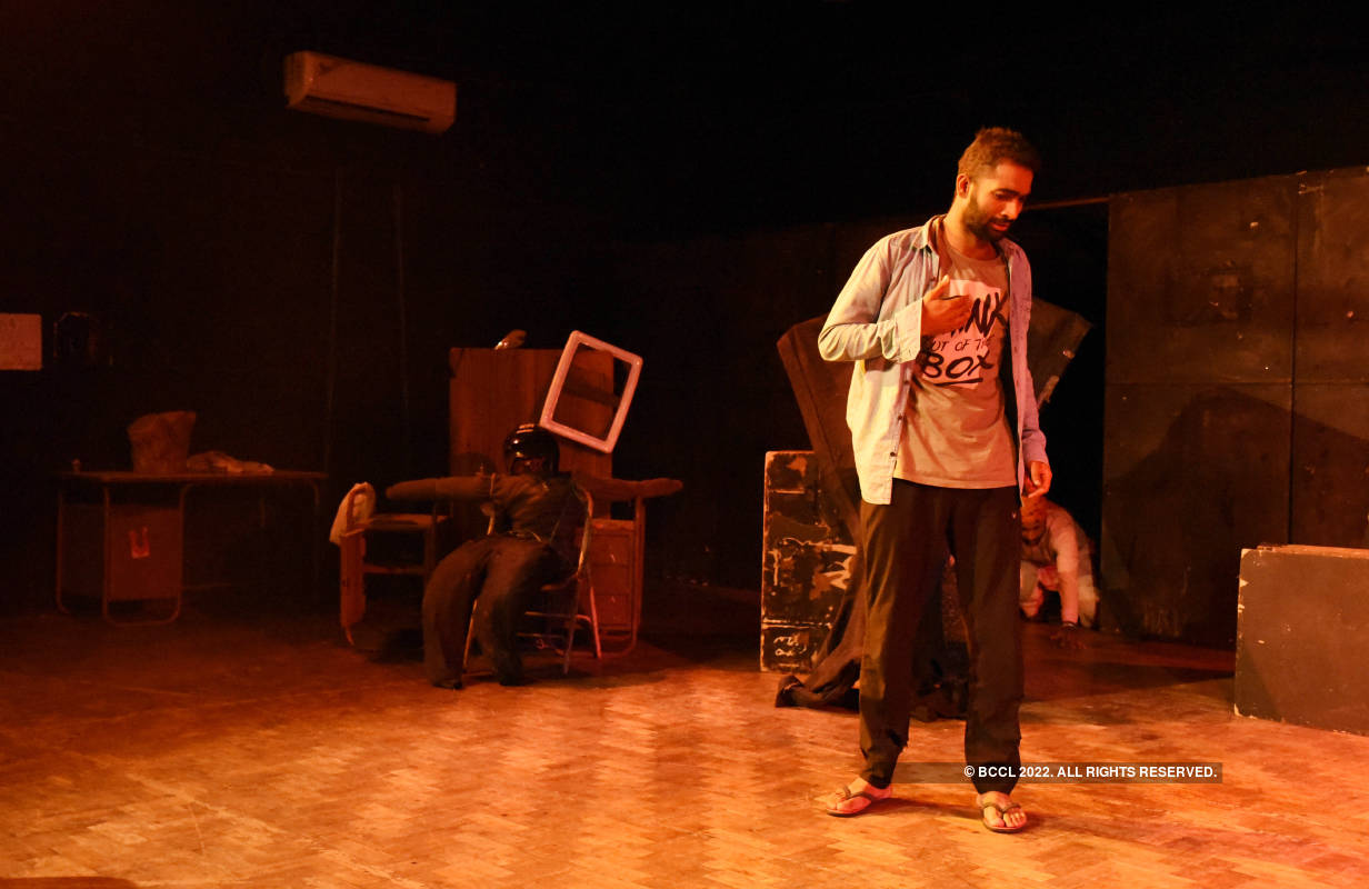 Nari- Ek Good Luck: A play