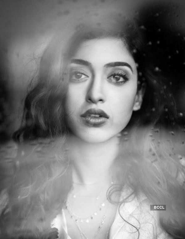 Gayatri Bhardwaj's classy and trendy photoshoot