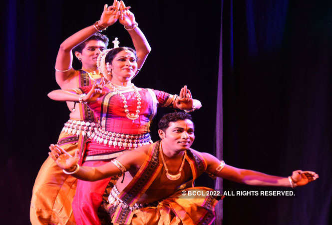 odissi dance_by sujata mohapatra and group (14) - Copy