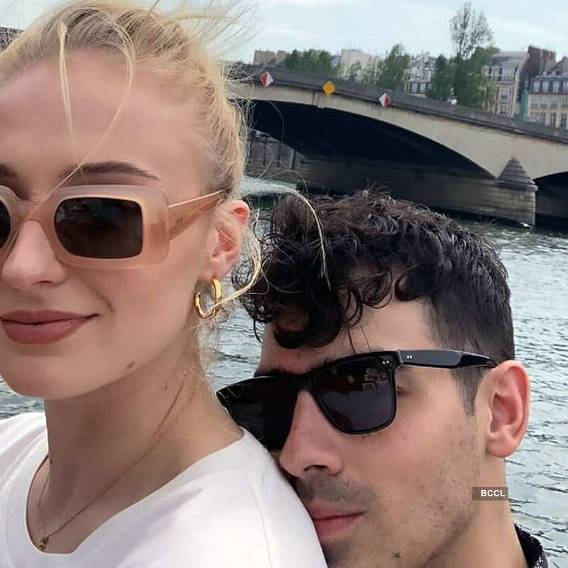 First pictures of Sophie Turner flaunting her baby bump; enjoys a stroll with hubby Joe Jonas...
