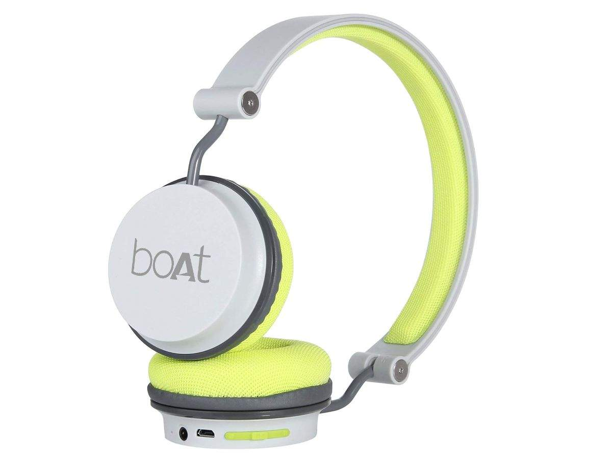 Boat Rockerz 400 On Ear Bluetooth Headphones Available At Rs 1 299 After A Discount Of Rs 1 691 Gadgets Now