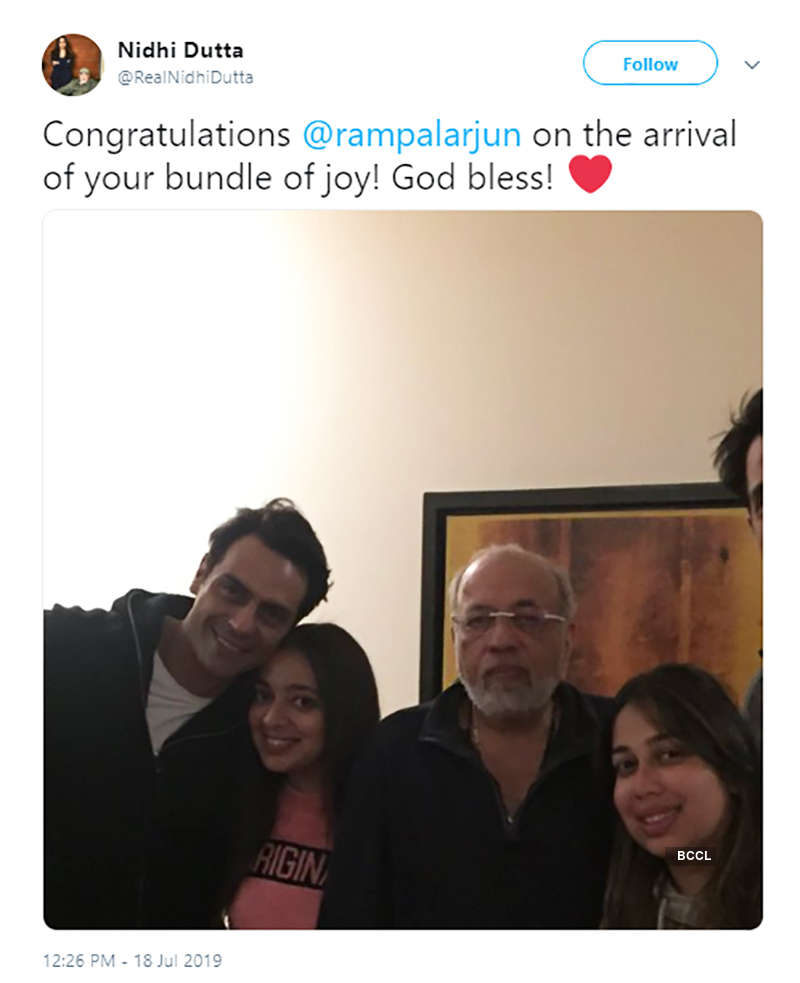 Arjun Rampal and Gabriella Demetriades tease fans with their loved-up pictures