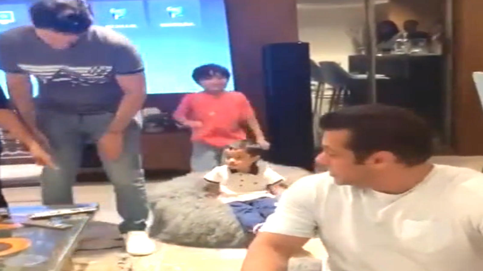 Salman Khan recreates his bean bag moment with nephew Ahil and Yohan