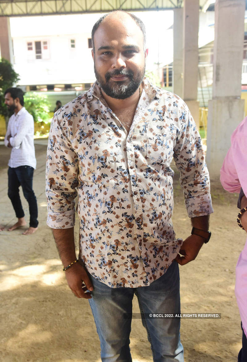 Star-studded pooja for Anoop's debut