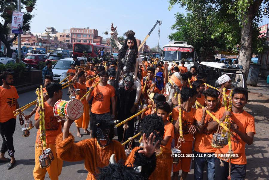 Devotees turn up in large numbers for Kanwar Yatra