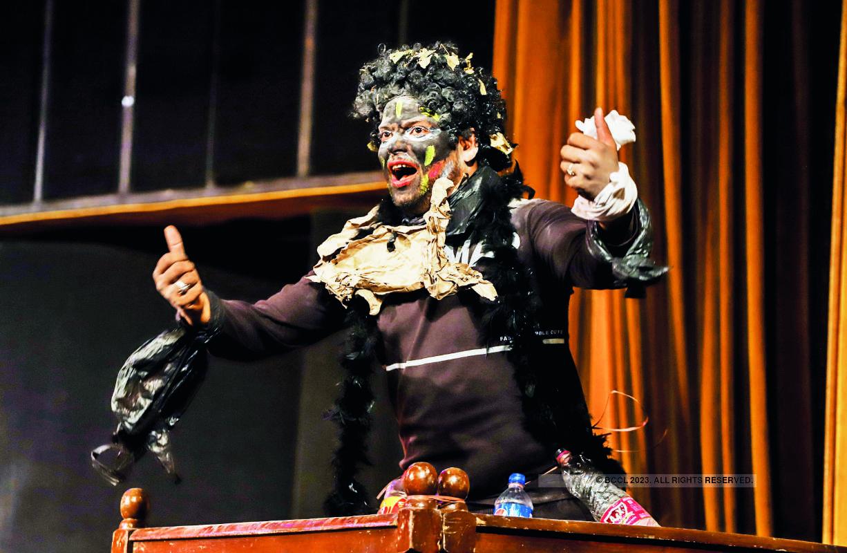 Pollution Hazir Ho: A play