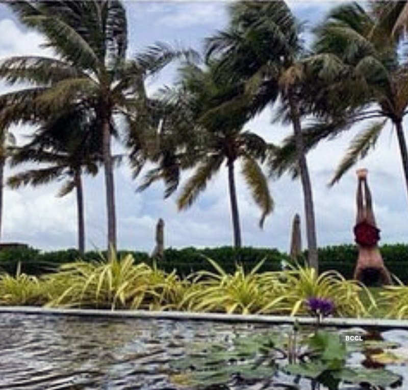 Amazing pictures from Shah Rukh Khan's Maldives vacation will make you pack your bags!