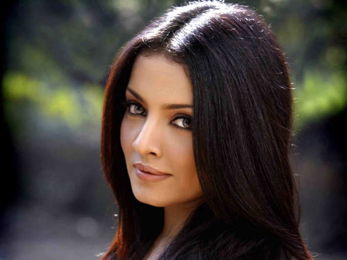 Celina-Jaitley-to-be-honored-by-Milk-Foundation