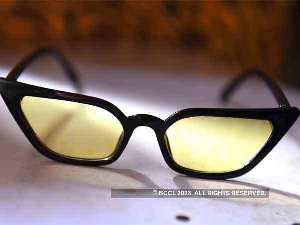 Un nouveau millénaire faveur? Il y a une petite lunettes de soleil!   - Keto Buzz Avis