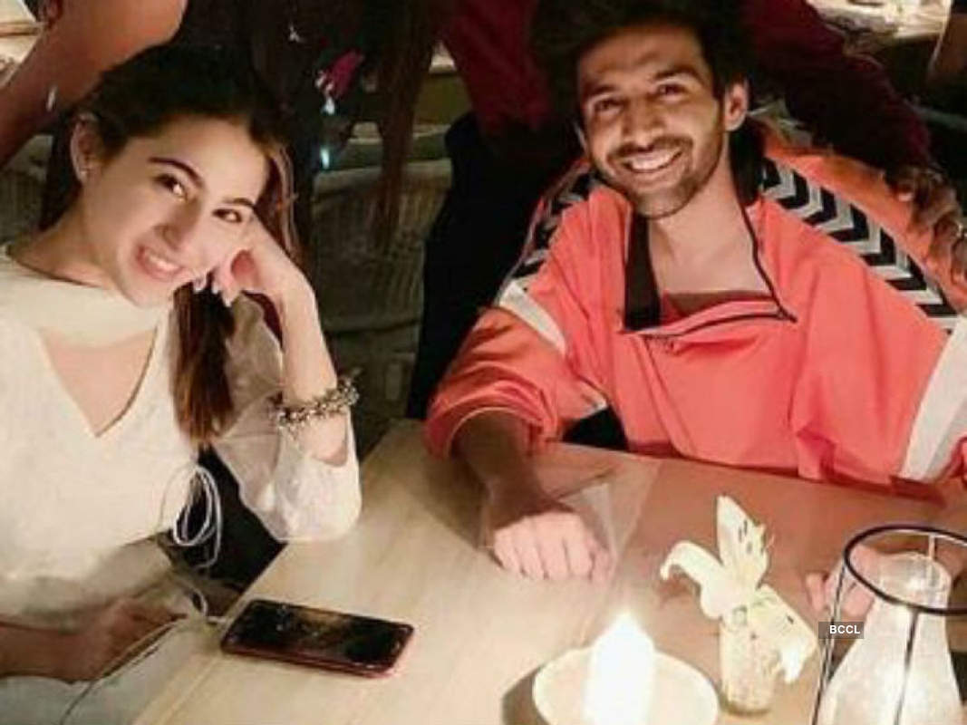 Unseen pictures of ex-lovebirds Sara Ali Khan & Kartik Aaryan from their dinner date you simply can't give a miss!