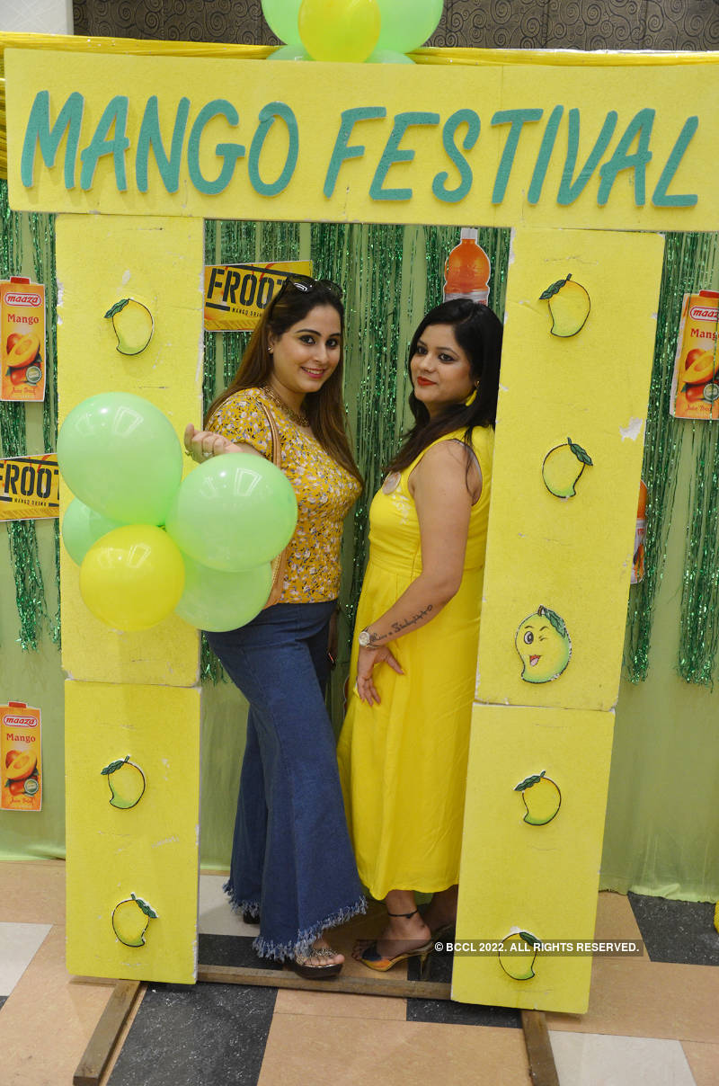 Kanpur ladies have a gala time at Mango Festival