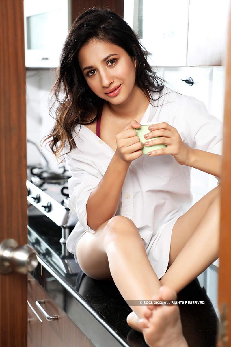 Meet the good-looking Manvitha Kamath