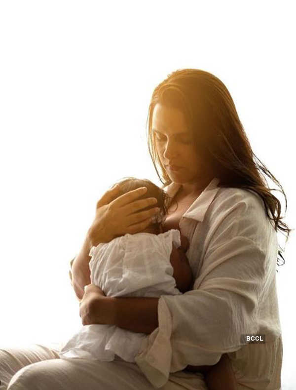 Once I had to breastfeed my daughter in plane's washroom: Neha Dhupia