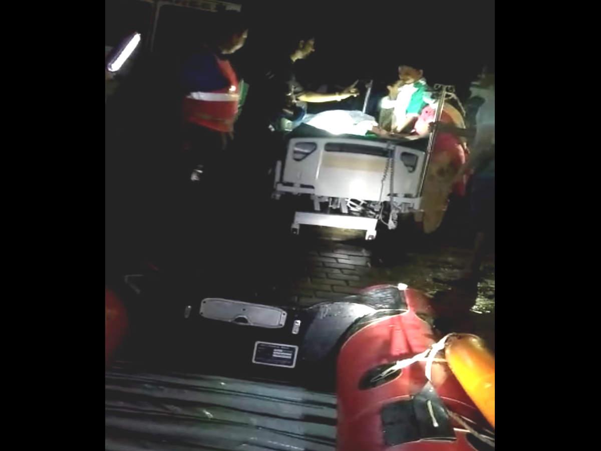 Mumbai: No power at hospital, 3 patients taken out in boats | Mumbai