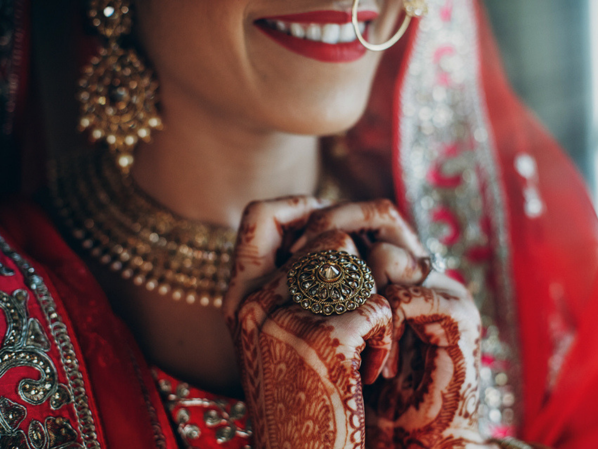 Stop! Don't post these 7 things about your wedding on social media