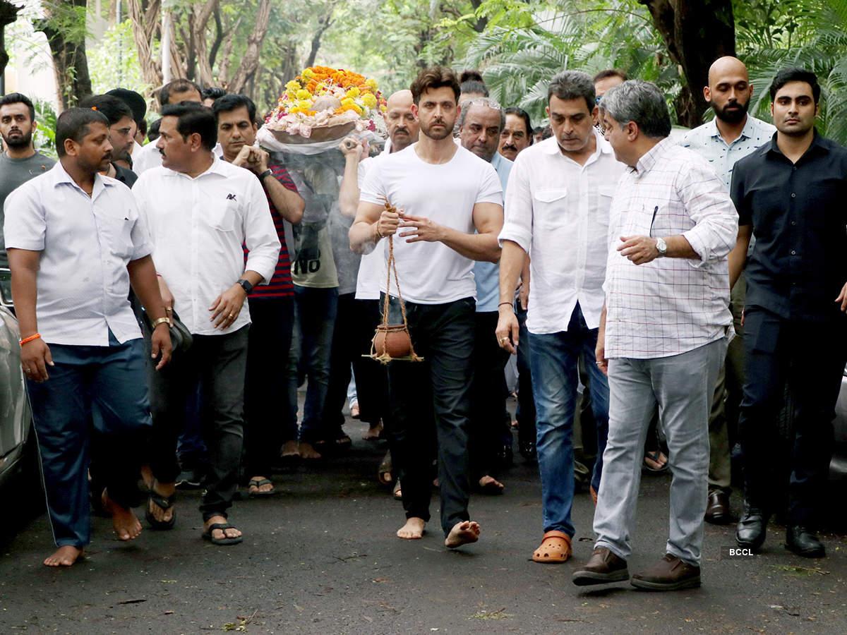 Amitabh Bachchan, Dharmendra and other celebs attend Hrithik Roshan's grandfather J Om Prakash's last rites