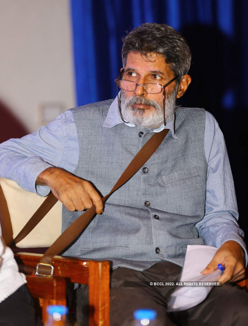 Theatre fraternity performs plays written by Girish Karnad in his memory