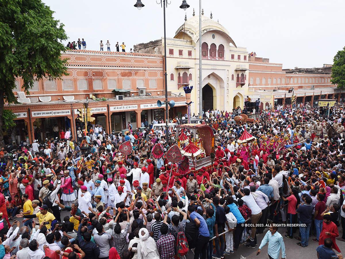 Jaipur soaks in Teej festivities