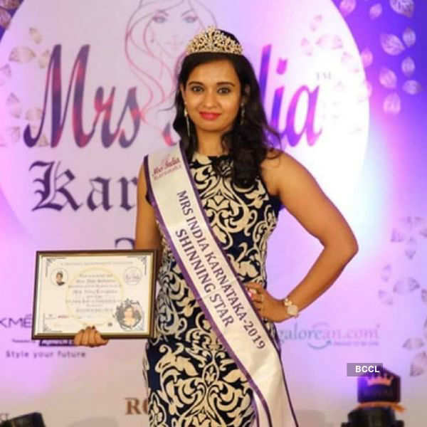 Beauty queen commits suicide after killing her daughter