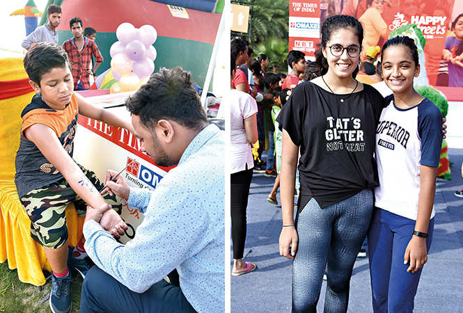(L) Aditya Chaturvedi and Vinay (R) Aanya and Gauri (BCCL/ Farhan Ahmad Siddiqui)